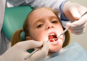 kindje-bij-tandarts